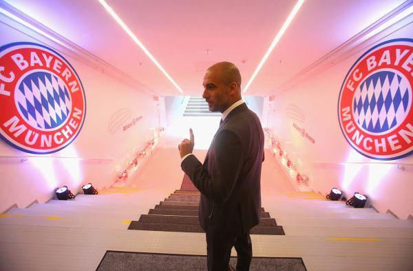 bayern-pep-minich-guardiola-tunnel-entrance-pitch-bayern-arena-allianz
