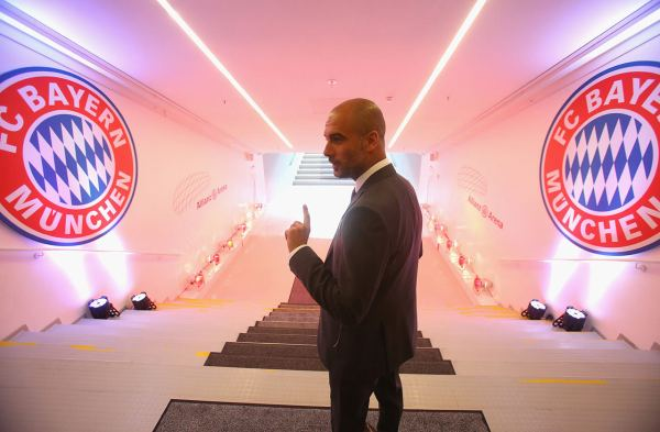 bayern-pep-minich-guardiola-tunnel-entrance-pitch-bayern-arena-allianz