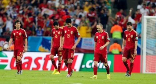 Le contingent espagnol tête basse, la Roja rentre à la maison dès le premier tour.