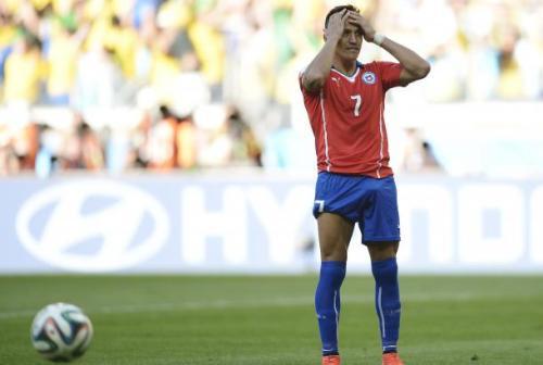 Alexis vient de rater son penalty et la qualification va s'envoler pour le Chili. Immérité ?