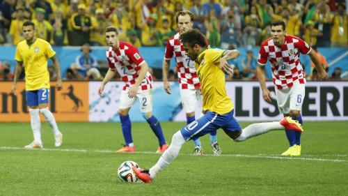Ça passe, non sans mal, pour Neymar et le Brésil face à la Croatie.