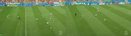 Valbuena au pressing, libère un grand espace libre dans son dos et les Bleus perdent à la maitrise des côtés la possession, dans un entame stressante.