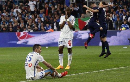 Ni Morel ni Fanni n'arrivent à contenir Zlatan et Matuidi, et l'OM craque sur coup-franc