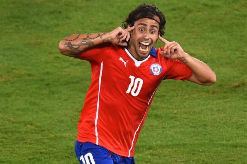 Jorge Valdivia rayonne dans le 4-3-1-2 de Sampaoli
